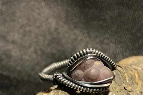 """Grape Chalcedony Silver """"mini"""" Ring SIZE 7"""